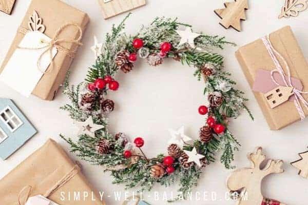 minimalist Christmas wreath and presents