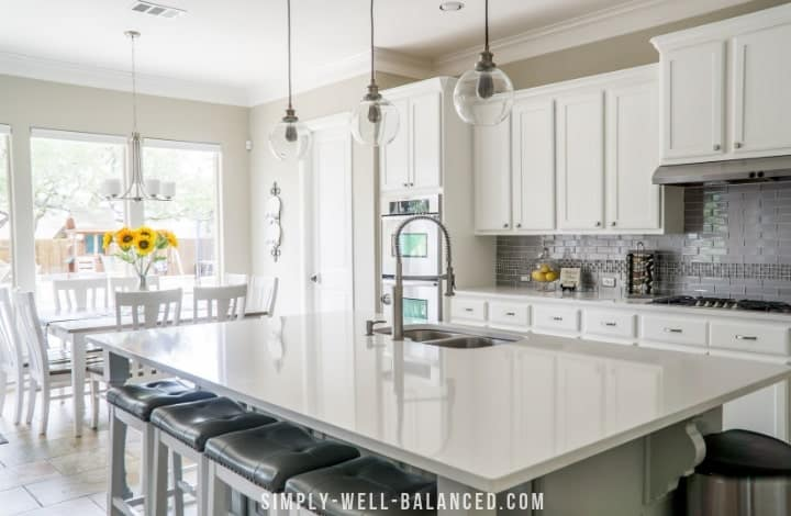 How to Declutter your Kitchen: Tips from a Minimalist