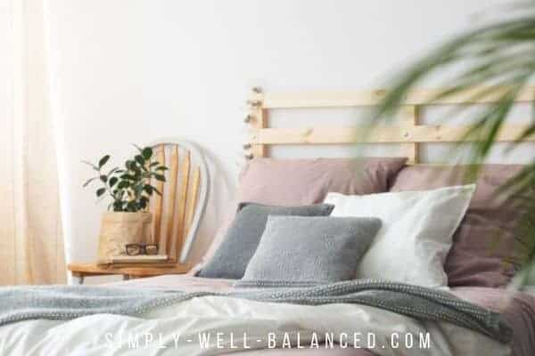 Cozy Minimalist Bedrooms Relaxing Spaces For Rest Simply Well Balanced