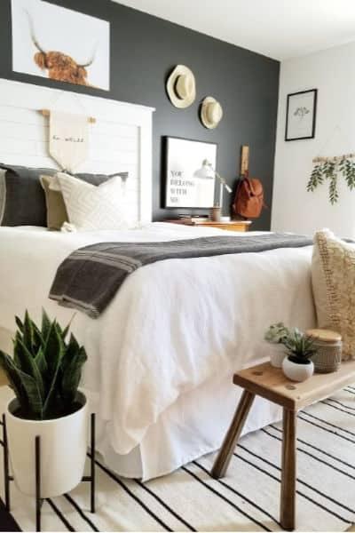 Farmhouse Minimalist Bedroom Decor