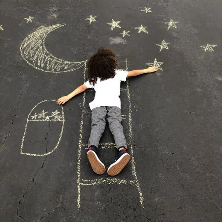 """Reach for the stars! . . . . . . . . . . #reachforthestars #sidewalkchalk #kidfun #kidactivities #outdooractivities #thingstodowithkids…"""