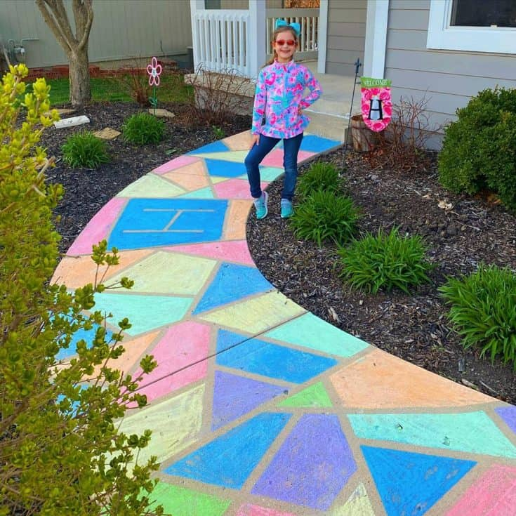 "Shel on Instagram: ""💖Brighter Days Ahead💖 • • • • • #pinterestsuccessstory #sidewalkchalk #sidewalkart #socialdistancing #stayhomekc #getoutside #thebrightlife…"""