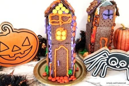 Halloween Graham Cracker House