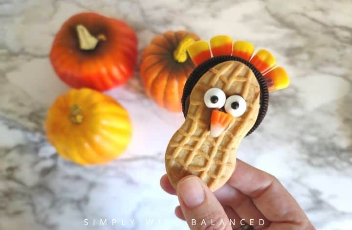 Thanksgiving turkey cookie made from nutter butter and oreo cookies