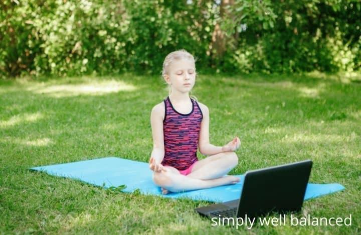 Relaxing kids activities: virtual yoga class for kids